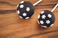2 cakepops с украшением снежинок Стоковое Изображение