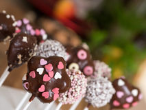 Cakepops dans la cuisine Photos libres de droits