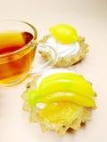 cakes önskar söt tea för frukter Fotografering för Bildbyråer