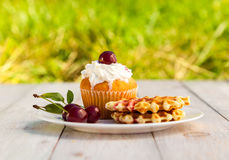 Cakes with cherry Royalty Free Stock Photography
