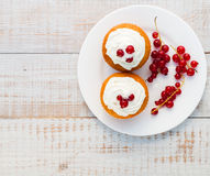 Cakes with cream Stock Photography