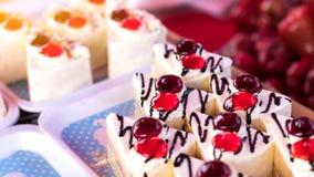 Cakes driehoekige stukken Stock Afbeeldingen