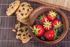 Cakes and fruits Royalty Free Stock Images