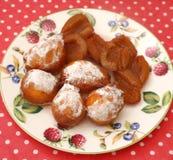Cakes met pruimen Stock Afbeeldingen