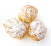 Cakes - roomrookwolken en eclairs Royalty-vrije Stock Fotografie