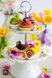 Cakes voor middagthee Stock Foto's