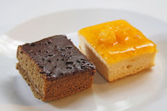 Cakesinaasappel en Chocoladecake Royalty-vrije Stock Fotografie