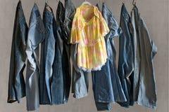 Calças e vestido imagens de stock royalty free