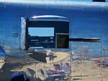 50 cal Vapenport på en B-25 Fotografering för Bildbyråer