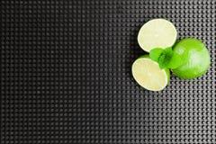 Cal y menta - ingredientes del cóctel del mojito fotos de archivo