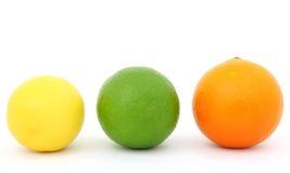 Cal y naranja coloridas del limón de la fruta Imágenes de archivo libres de regalías