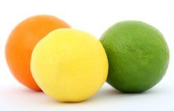Cal y naranja coloridas del limón de la fruta Fotos de archivo