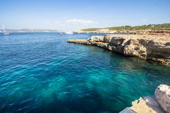 Cala Bassa, Ibiza, Espagne photographie stock libre de droits