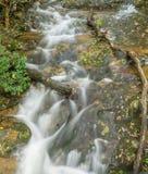 Cala de Fallingwater en Ridge Mountains azul de Virginia, los E.E.U.U. foto de archivo