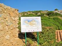 Cala des Moro/Almunia, Majorca die - op etiket wijzen stock foto