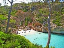 Cala des Moro, Majorca - baai met strand stock foto's