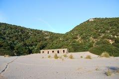 Cala Domestica i det Sulcis området av Sardinia, Italien Royaltyfria Bilder