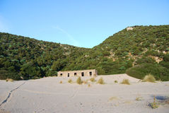 Cala Domestica na área de Sulcis de Sardinia, Itália Imagens de Stock Royalty Free