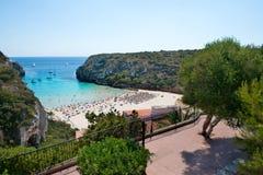 Cala En搬运工海滩, Menorca,西班牙 库存照片