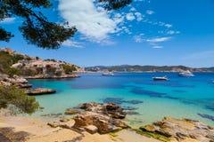 Cala Fornells widok w Paguera, Majorca Zdjęcia Stock