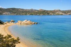Cala Ginepro plaża w Sardinia, Włochy Obrazy Stock