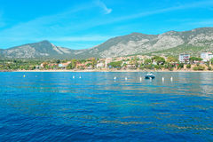 Cala Gonone kust stock afbeeldingen