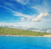 Cala Gonone kust onder wolken Royalty-vrije Stock Afbeeldingen