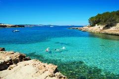 Cala Gracioneta海滩在伊维萨岛海岛,西班牙 免版税库存图片