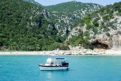 Cala Luna strand i den Orosei fjärden på Sardinia, Italien Arkivfoton