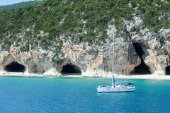 Cala Luna strand i den Orosei fjärden på Sardinia, Italien Royaltyfri Bild