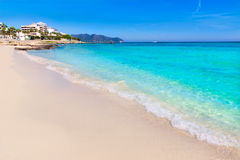 马略卡Cala Millor海滩松塞尔韦拉马略卡 免版税库存照片