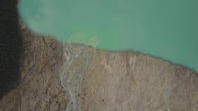 Cala que fluye en parque nacional del lago Peyto, Banff, Alberta Canada metrajes