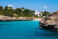 Cala Romantica baai en het strand, Majorca, Spanje Royalty-vrije Stock Afbeeldingen