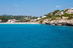 Cala Romantica Strand en hotels, Majorca, Spanje Stock Fotografie