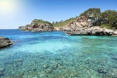 Cala s阿尔穆尼亚海滩马略卡西班牙 免版税库存图片