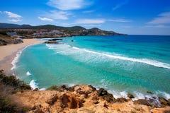 Cala Tarida i den Ibiza stranden på Balearic Island Arkivfoton