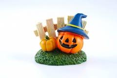 Calabaza accesoria de la decoración de Halloween aislada en el fondo blanco Fotografía de archivo libre de regalías
