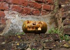 Calabaza asustadiza tallada Halloween vieja Imágenes de archivo libres de regalías