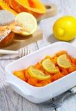 Calabaza cocida al horno con el limón y la miel Fotos de archivo