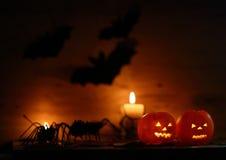 Calabaza de Halloween en fondo de madera Imagen de archivo libre de regalías