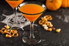 Calabaza martini de Halloween imagenes de archivo