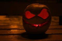 Calabaza para el mal de la Jack-O-linterna de la noche de Halloween asustadizo Fotografía de archivo libre de regalías