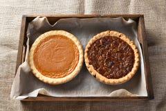 Calabaza y pasteles de pacanas Imagen de archivo libre de regalías