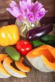Calabaza y verduras - un pepino y un tomate Fotografía de archivo