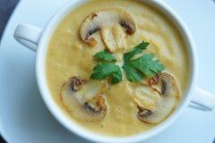 Calabaza, zanahoria y sopa de setas del champiñón fotografía de archivo libre de regalías