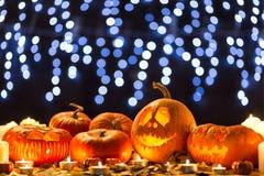 Calabazas asustadizas talladas para Halloween Fotos de archivo