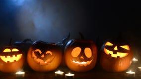 Calabazas de Halloween en fondo ahumado