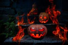 Calabazas de Halloween formidables y divertidas, resplandor de dentro y AR Fotos de archivo libres de regalías