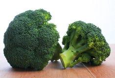Calabrese brokuły, dwa głowy Fotografia Stock