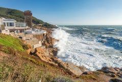 Calafuria, Livorno - Italia Torre antica durante la tempesta in Tusc Fotografia Stock Libera da Diritti